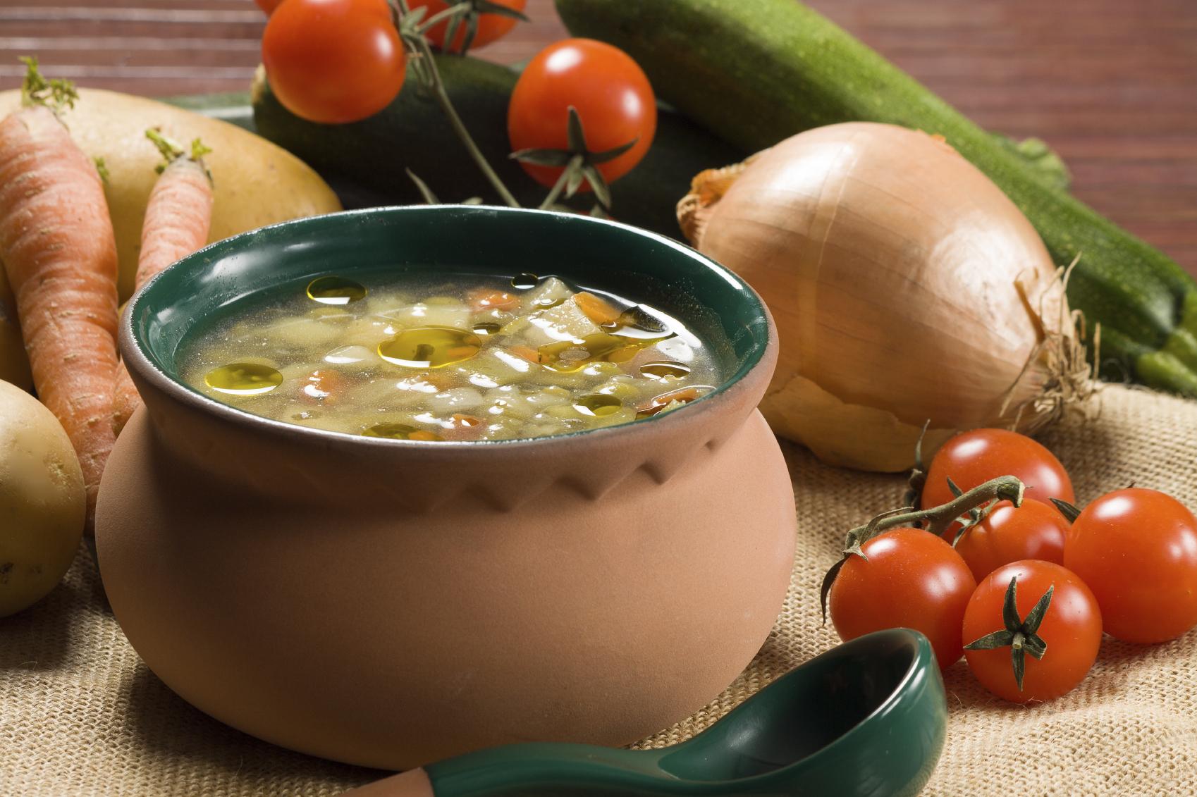 Sopa de patatas y judías verdes
