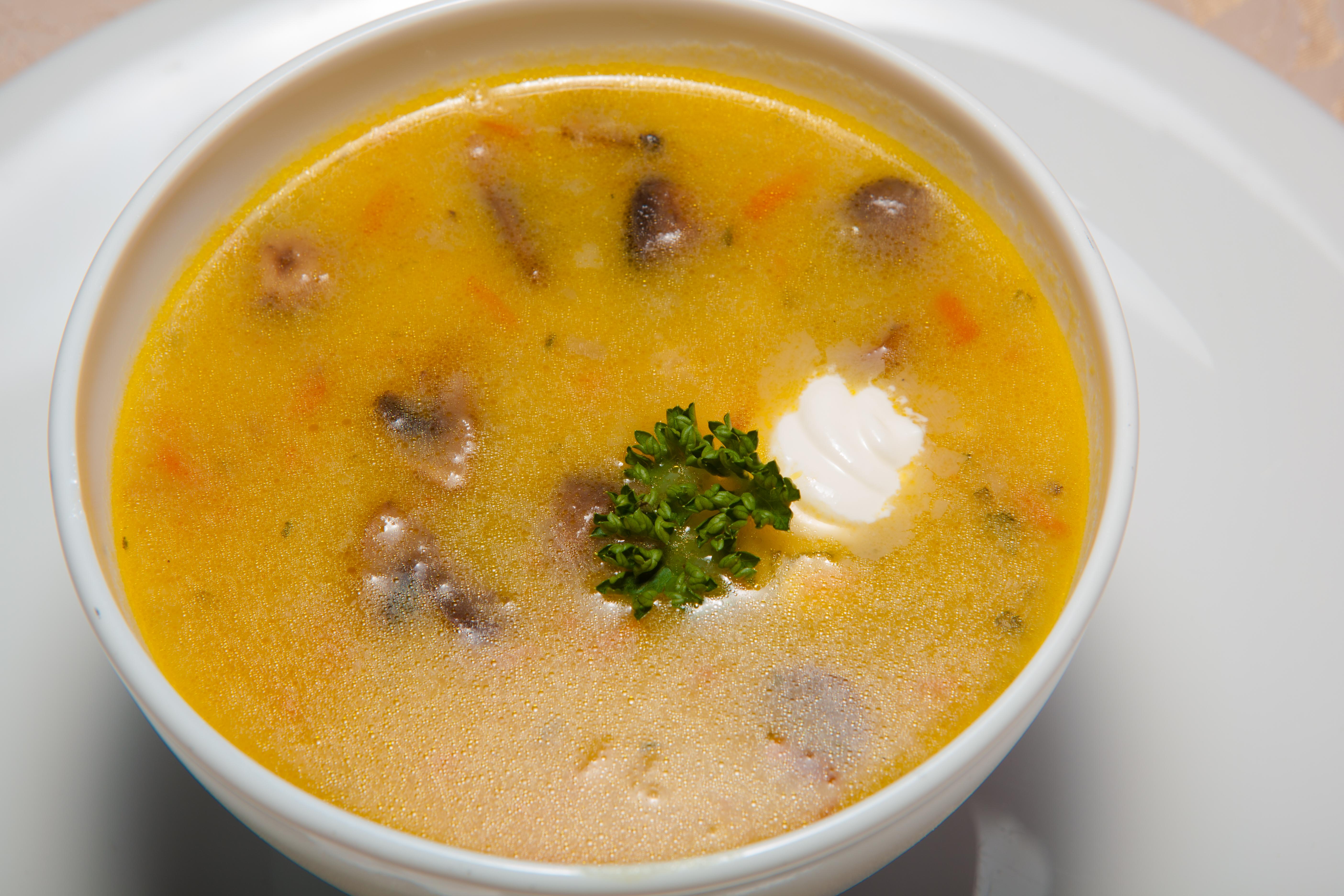 Sopa de pescado con berza