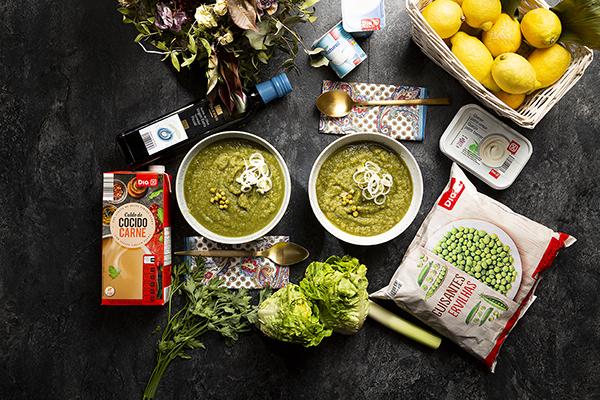 Sopa fría verde de hierbas