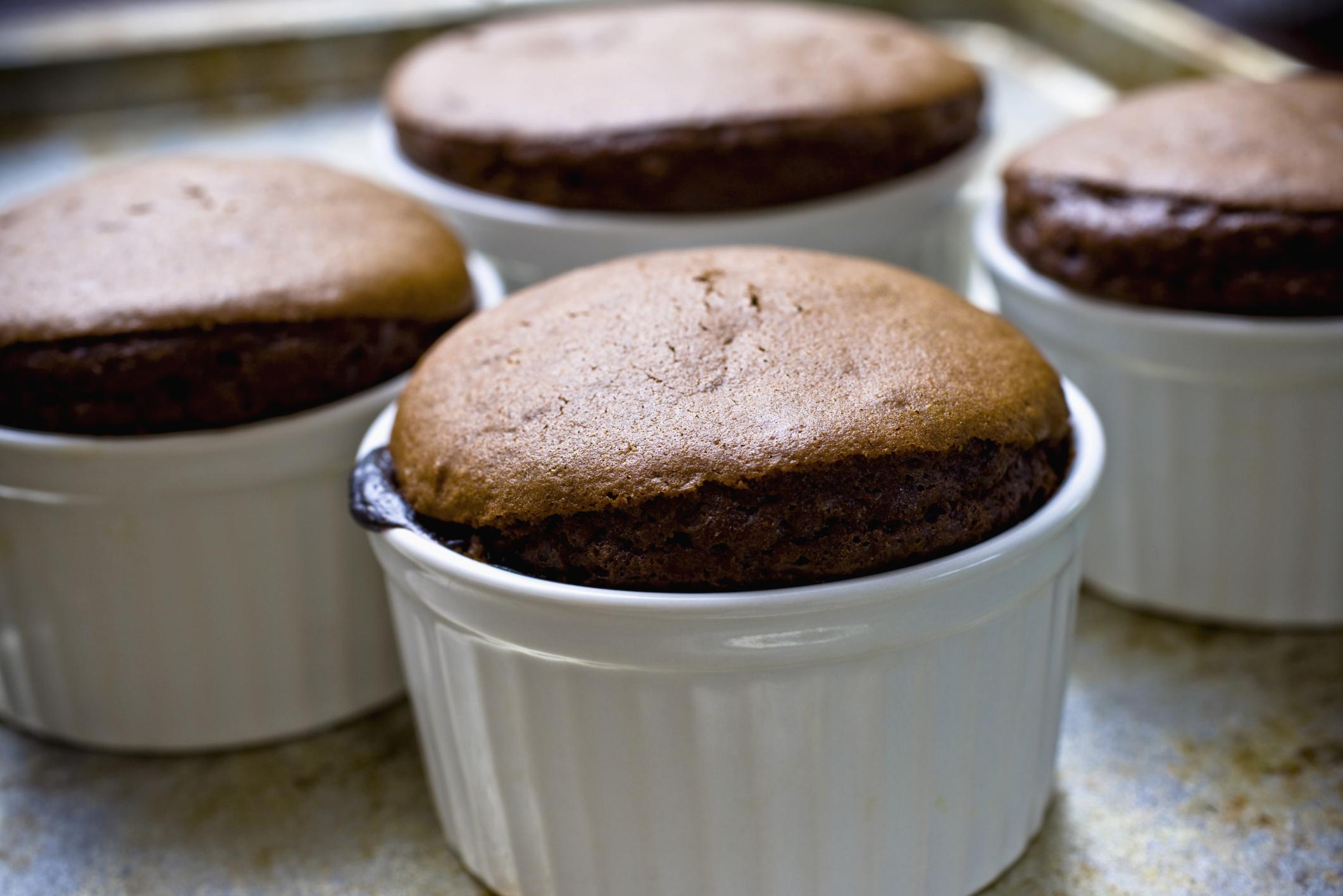 Souflè de chocolate en el microondas
