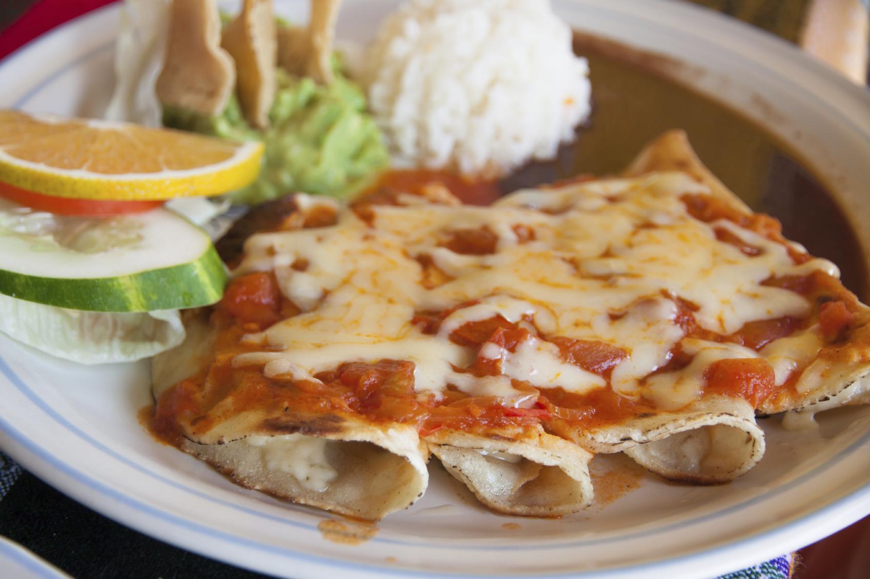 Tacos laguneros con salsa de queso