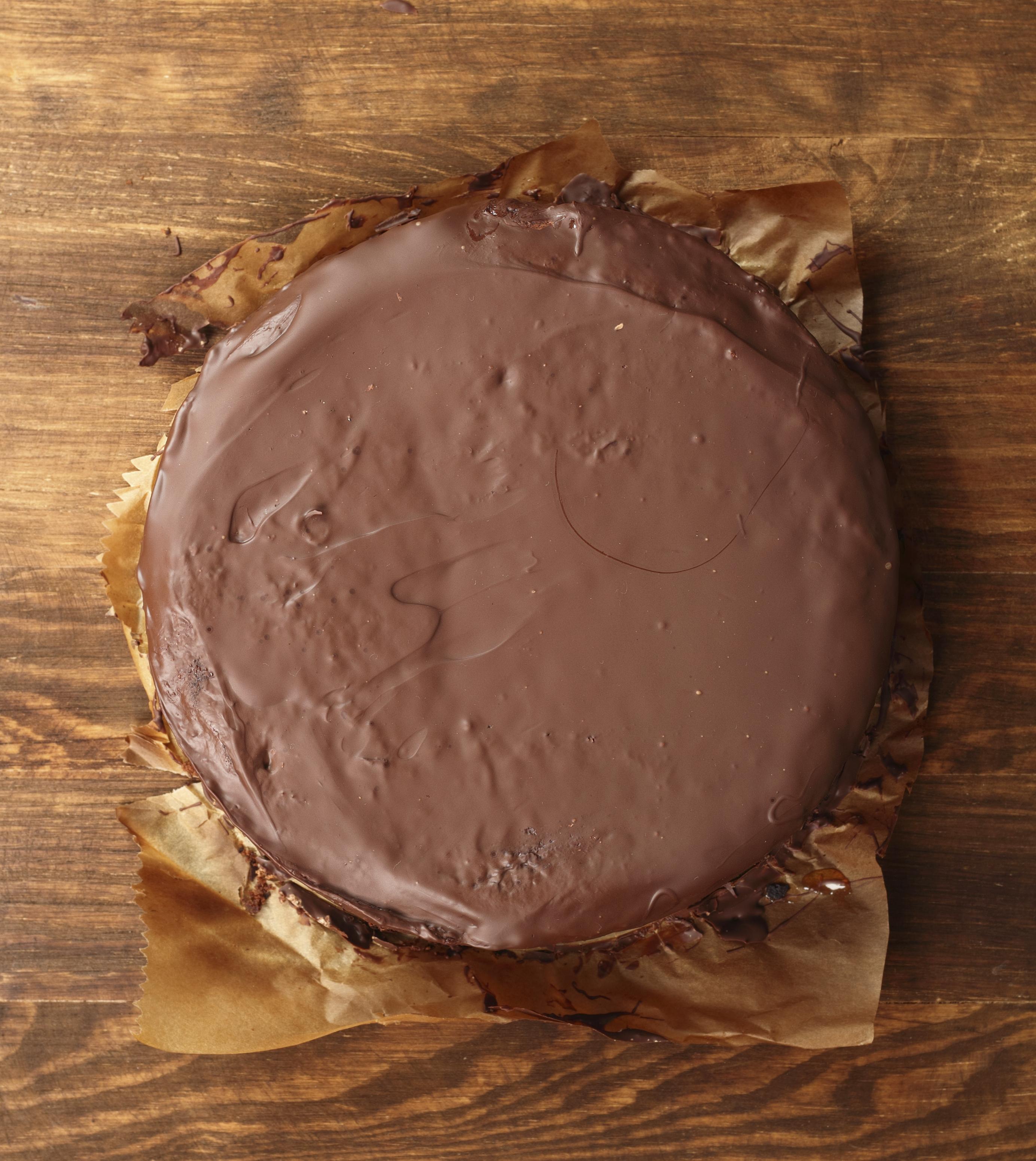Tarta de chocolate cubierta