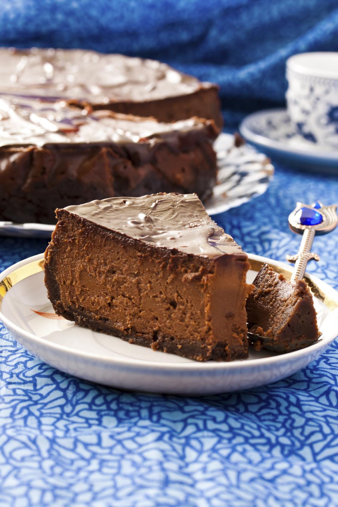 Tarta con crema de chocolate y queso