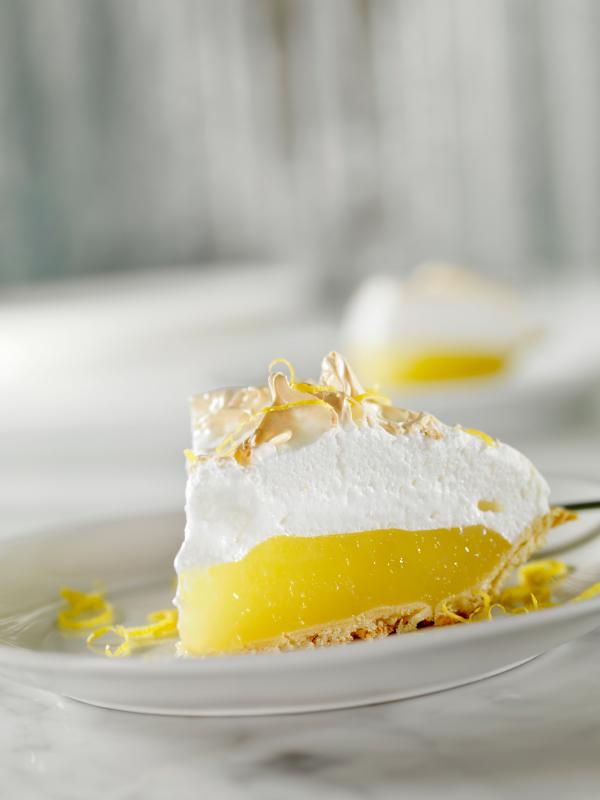 Tarta de crema de limón y merengue