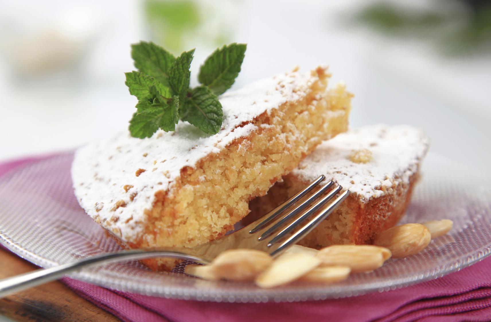 Tarta de Santiago con almendra molida