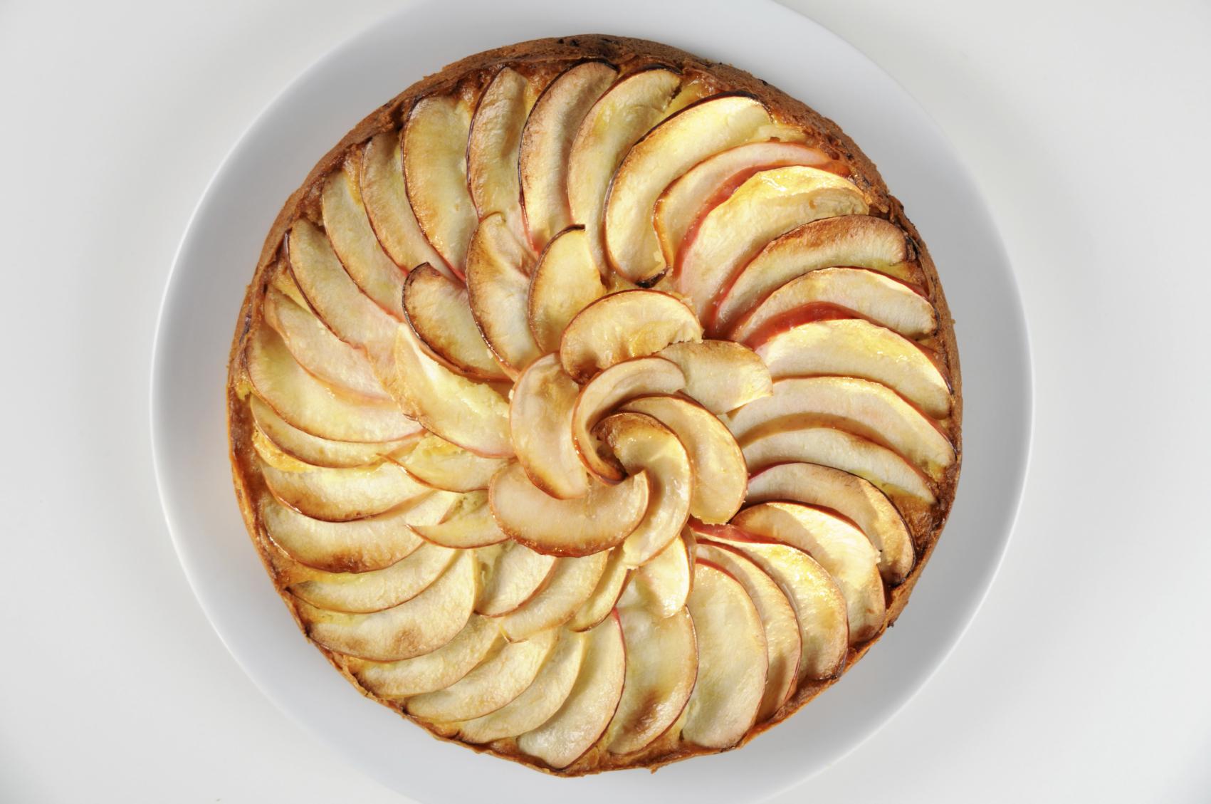 Tarta de manzanas y avellanas
