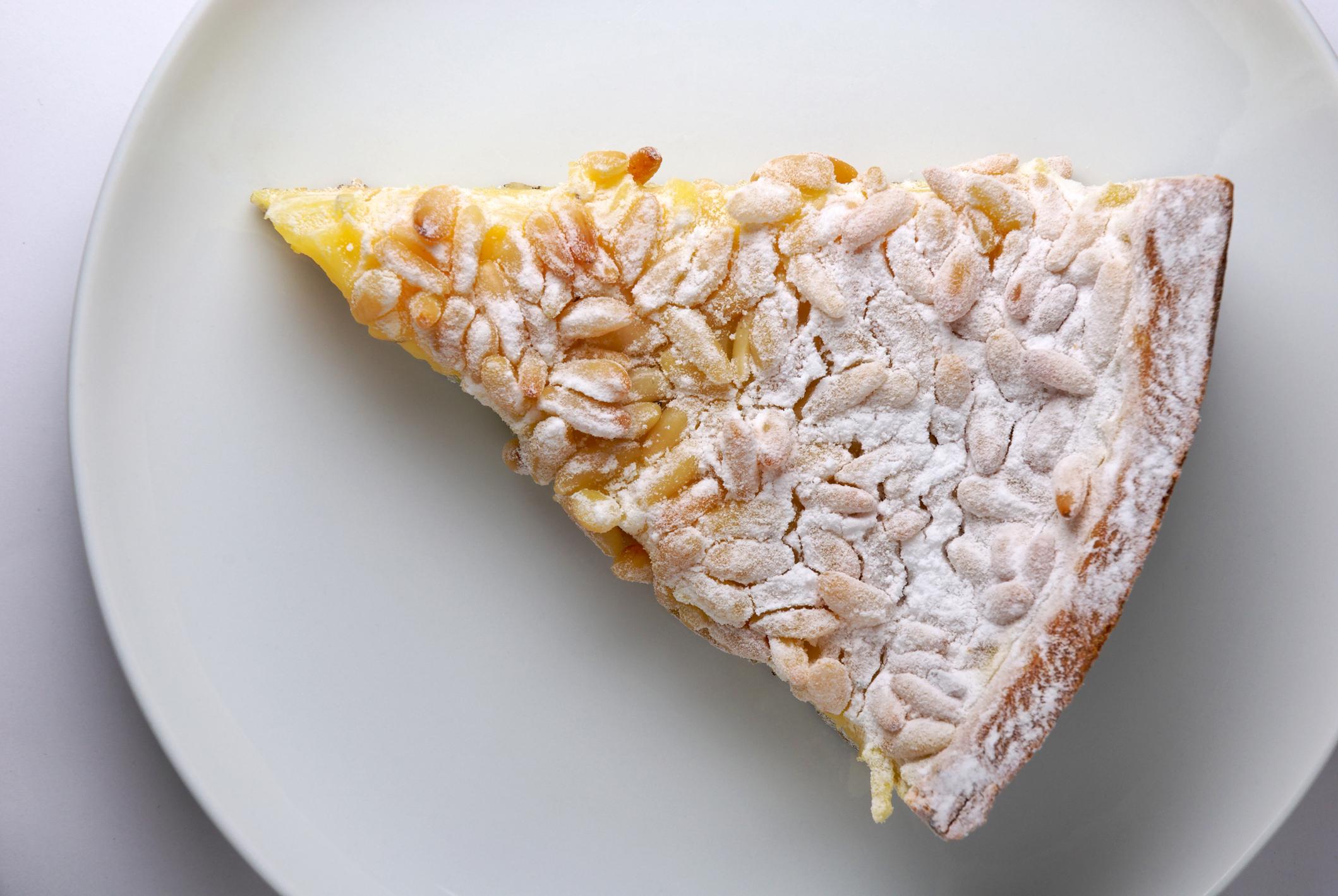 Tarta de Piñones