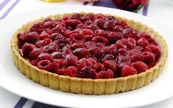 Tarta de fresas y frambuesas