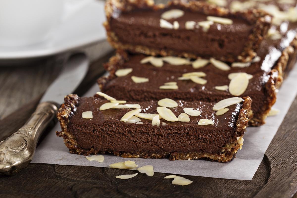 Tarta vegana de chocolate con almedras