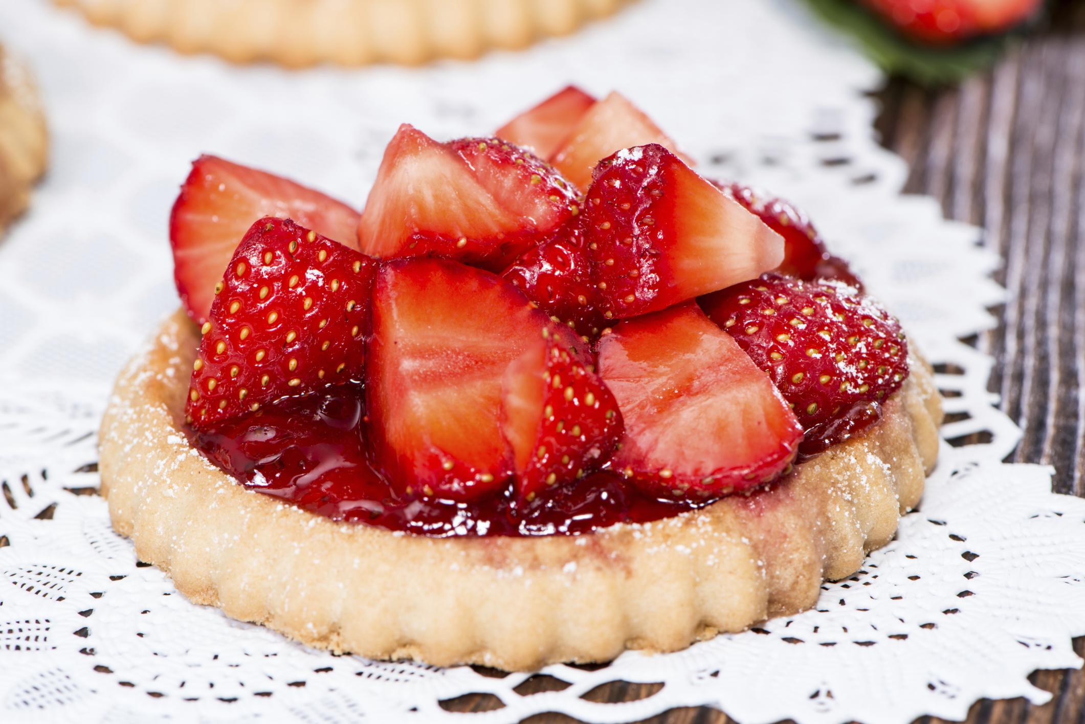 Tartaleta de crema de almendras con fresa