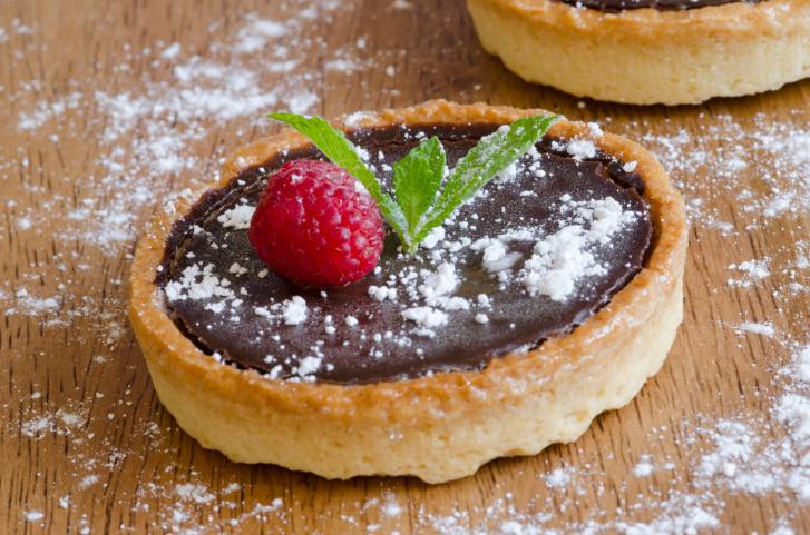 Tartaletas de chocolate y nata