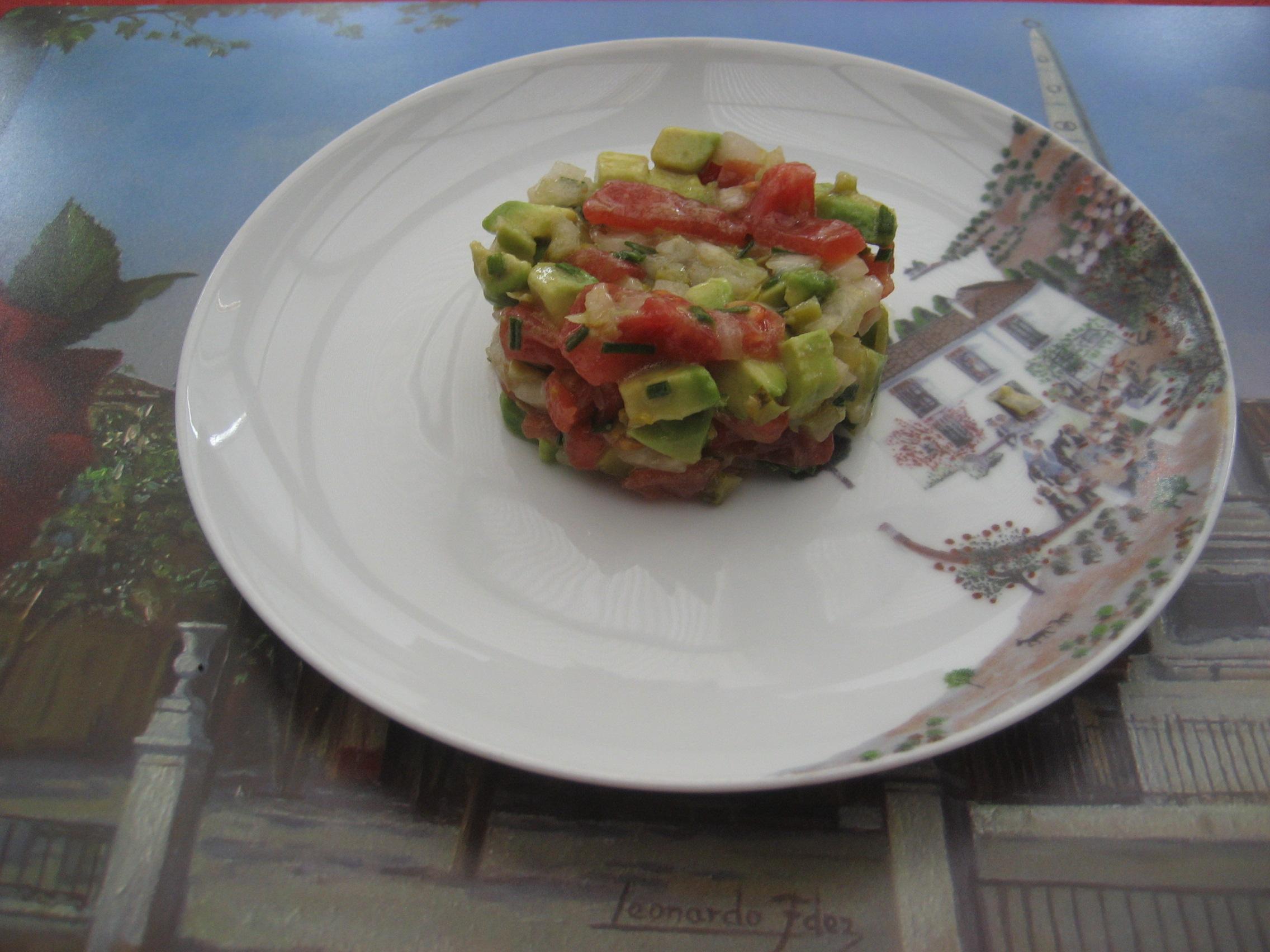 tartar de aguacates y tomates