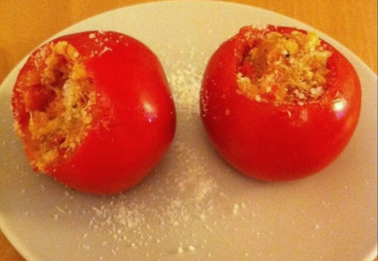 Tomates rellenos de bacalao y calabacín