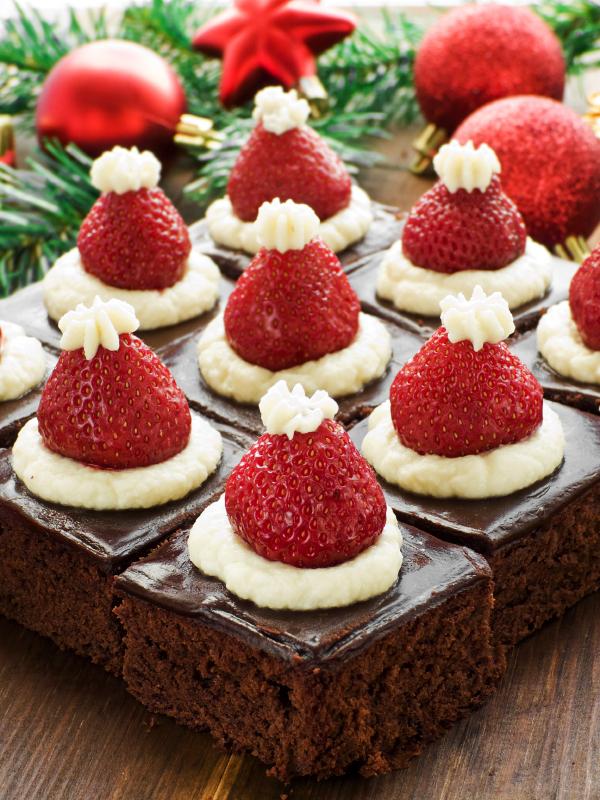 Torta brownie con fresas