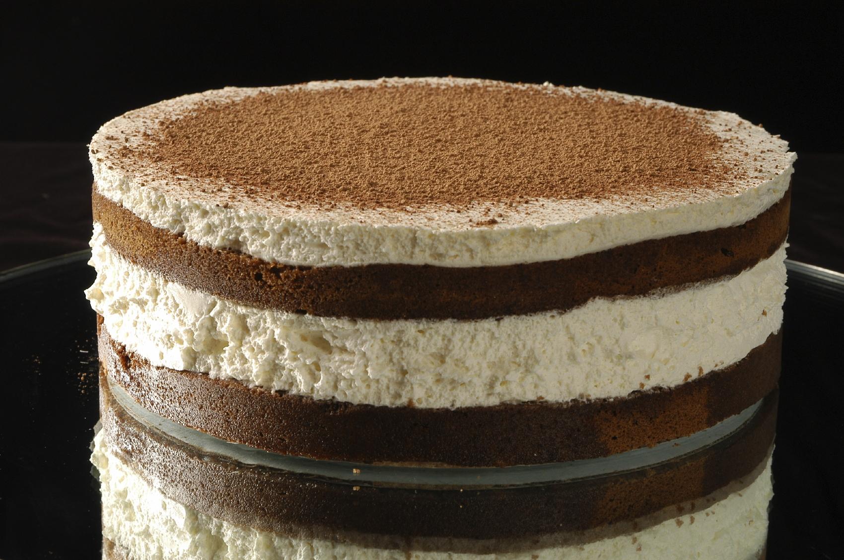 Torta de chocolate y merengue