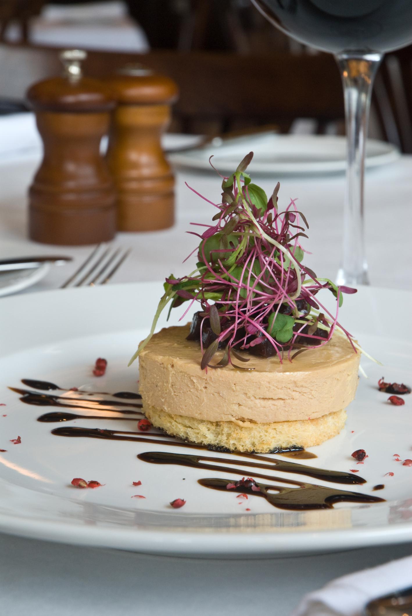 Tostas con foie gras caramelizadas